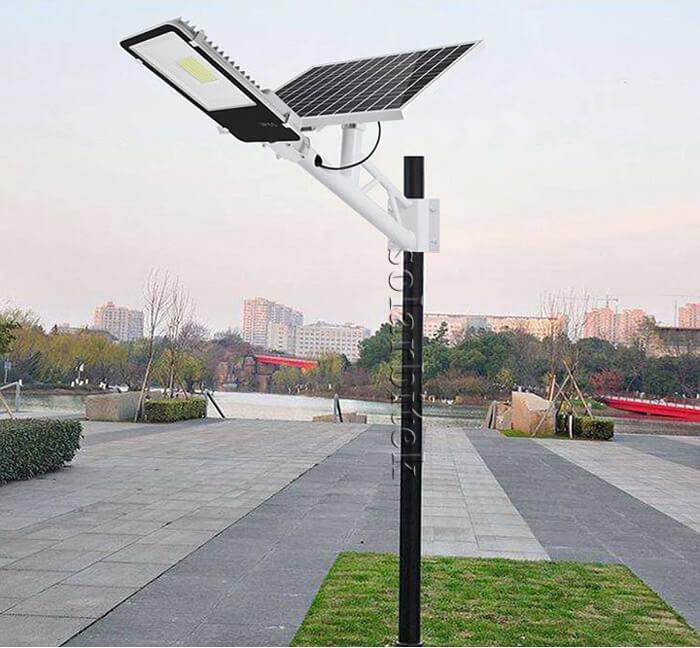 đèn năng lượng mặt trời bàn chải 50w