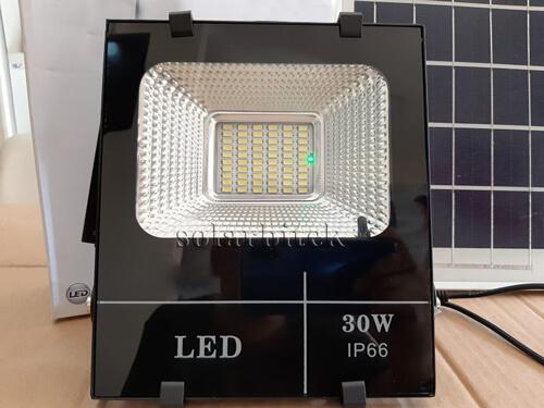 đèn pha năng lượng mặt trời 30w BI-HL1030