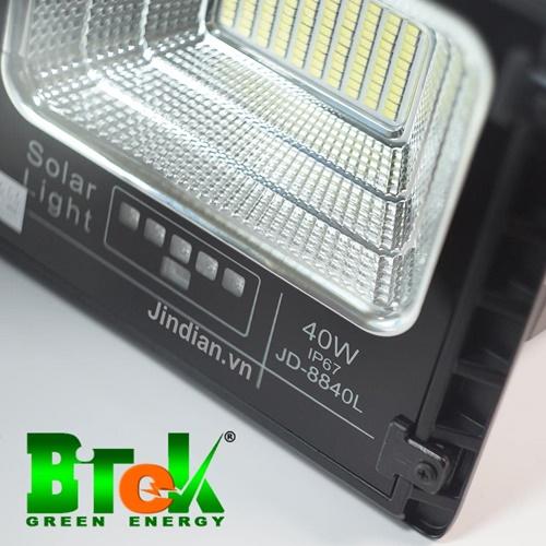 Mã Đén pha năng lượng mặt trời 40W JD-8840L
