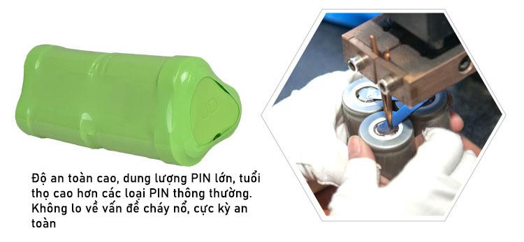 Pin của đèn năng pha lượng mặt trời 10W JD-8810
